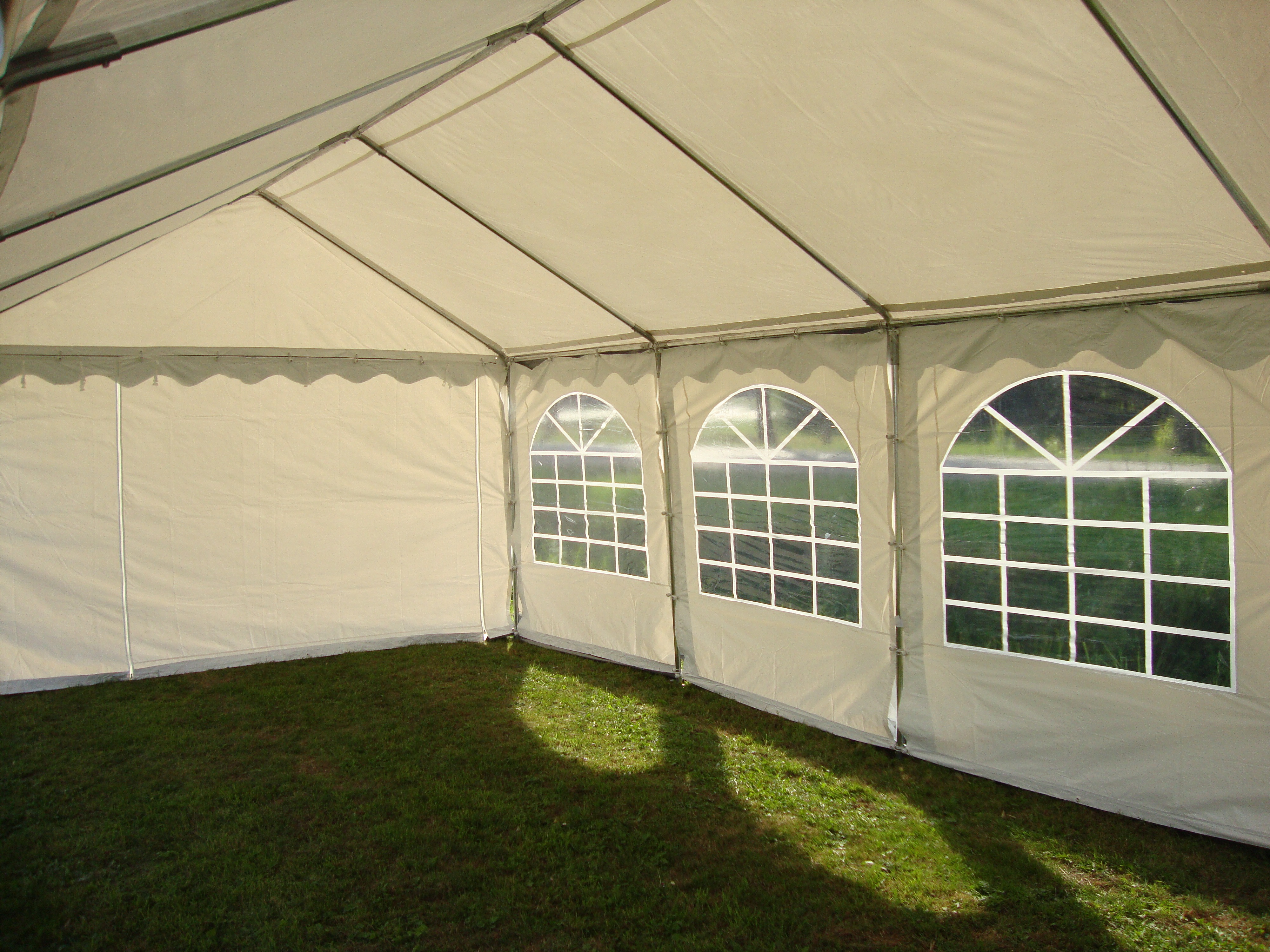partytent action